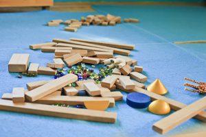 Spielmatten glänzen mit bunten Motiven